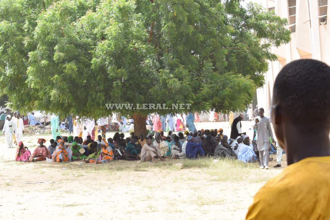 20 Photos: les fidèles débarquent en masse à Tivaouane suite au rappel à Dieu d'Al Amine