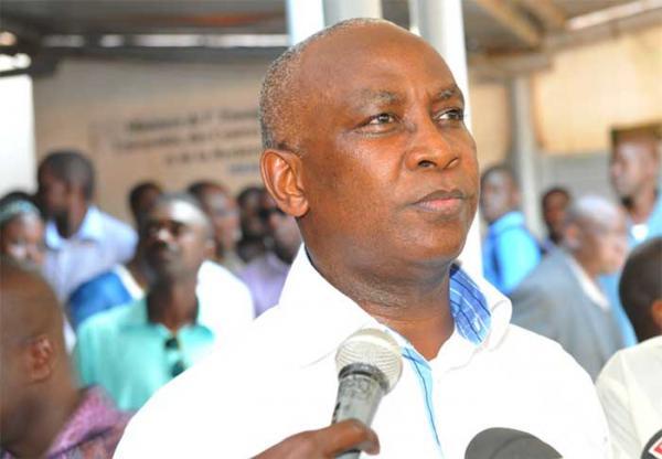 Les 690 élèves-maîtres encerclent le ministre de l'Education,Serigne Mbaye Thiam