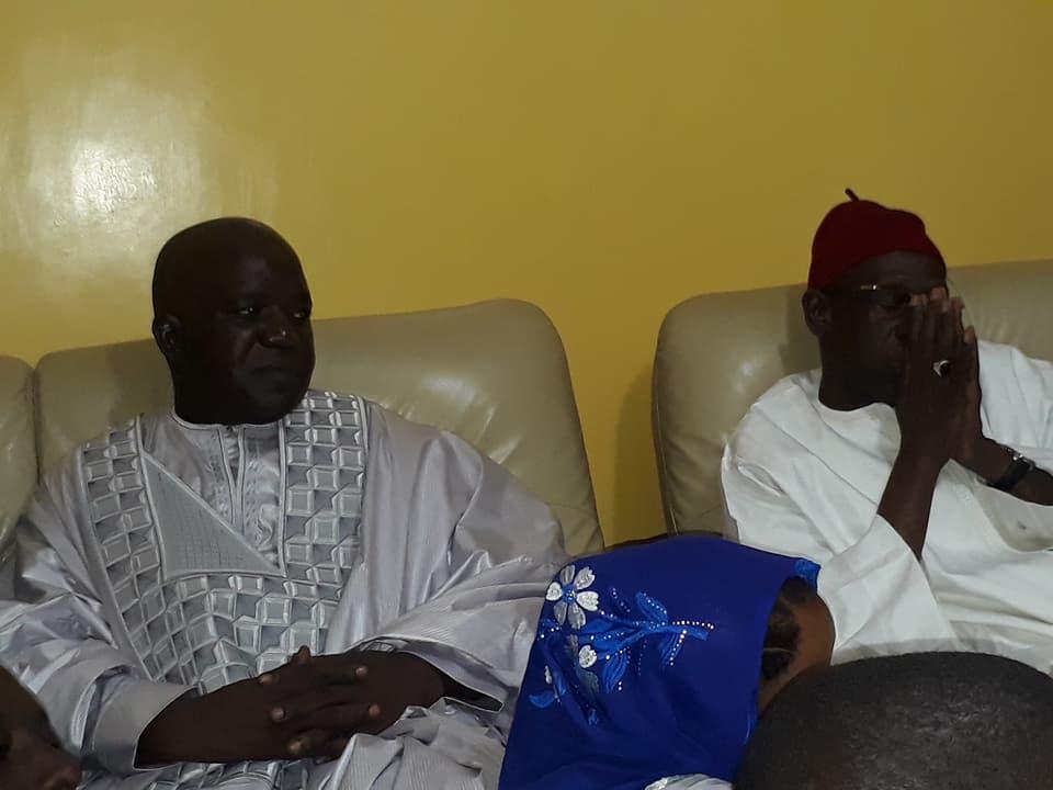 13 photos-  Me Wade a présenté ses condoléance à  Serigne Mbaye Sy Mansour