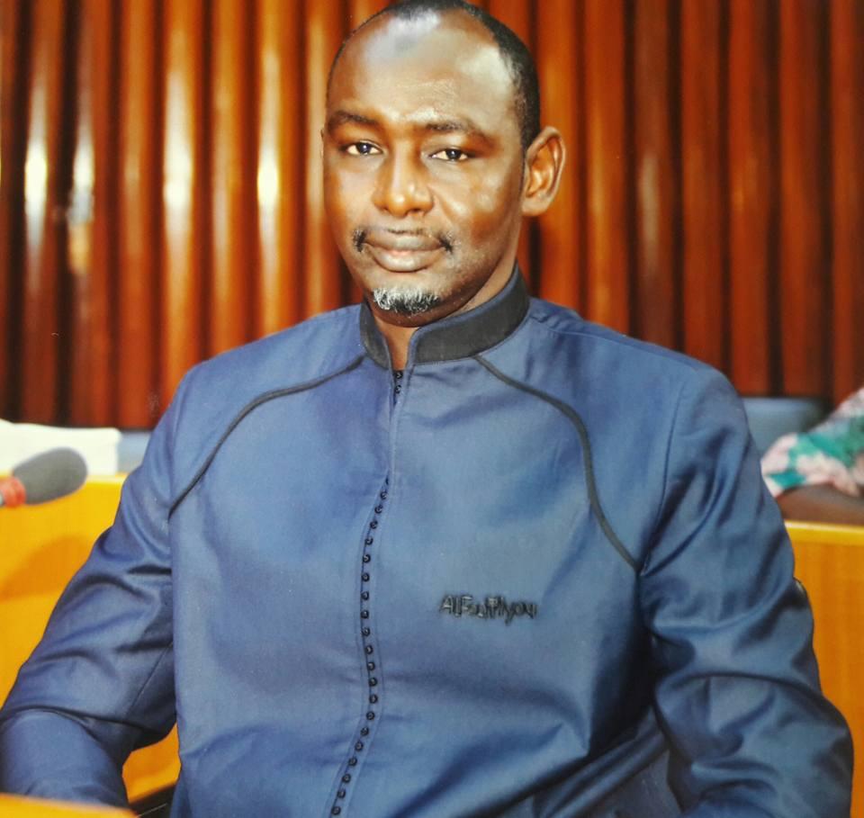 """Cheikh Oumar Sy veut """"une loi pour contrôler la caisse noire"""" du président de la République"""