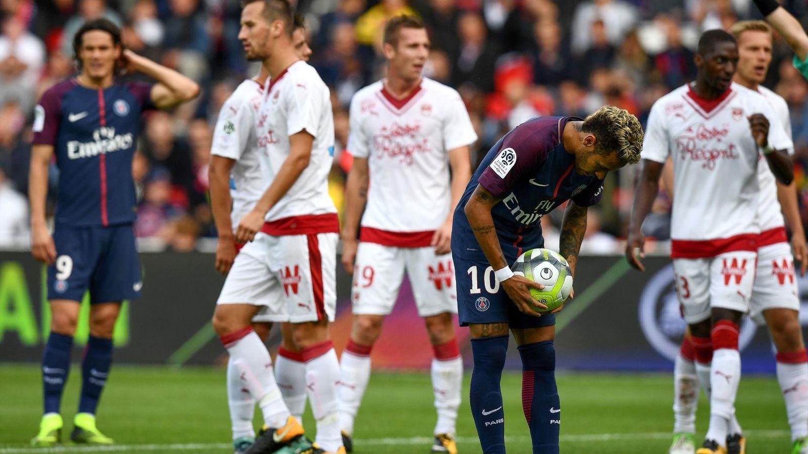 PSG : Neymar, le nouvel héritier des penalties devant Cavani !
