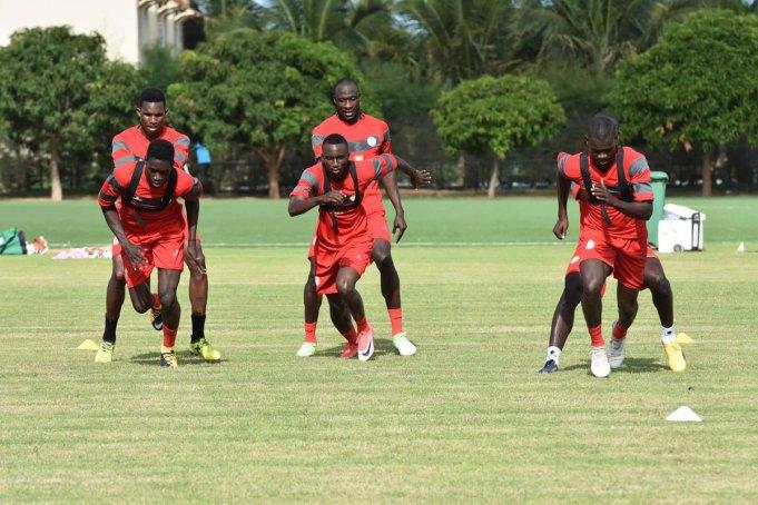 """Regroupement des """"Lions"""": 14 joueurs présents à Saly, le reste attendu cette nuit"""