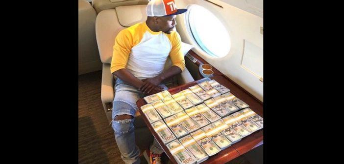 Floyd Mayweather déclare qu'il est officiellement, »milliardaire »(photos)
