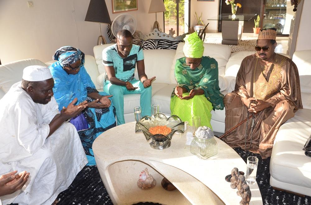 Après Youssou NDour, Baba Maal, Thione Seck et Omar Pène, Waly Seck, Alioune Mbaye Nder et Abdou Guité présentent leurs condoléances à Coumba Gawlo Seck