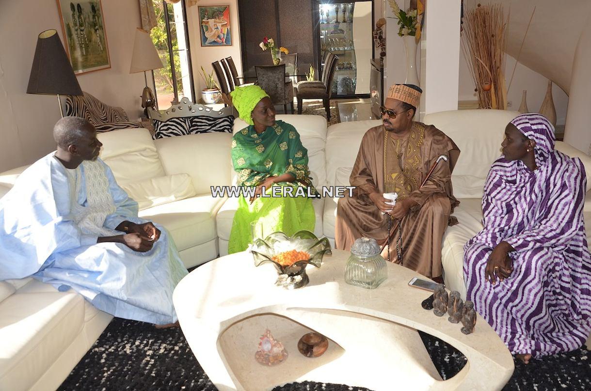 Photos : Aïssata Tall Sall et Mankeur Ndiaye présentent leurs condoléances chez Coumba Gawlo