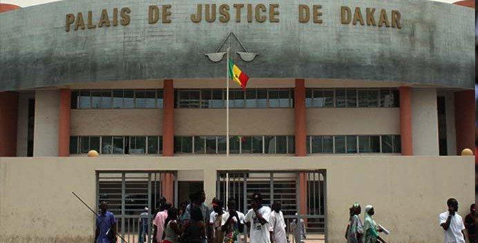 Tribunal de Dakar :  Un ancien militaire se met tout nu devant les juges et fait suspendre l'audience