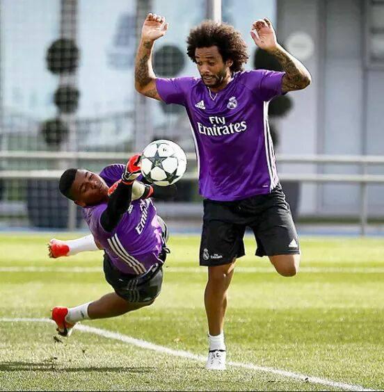 Mohamed Wade, un jeune gardien sénégalais de 17 sur le banc du Real Madrid en Copa del Rey