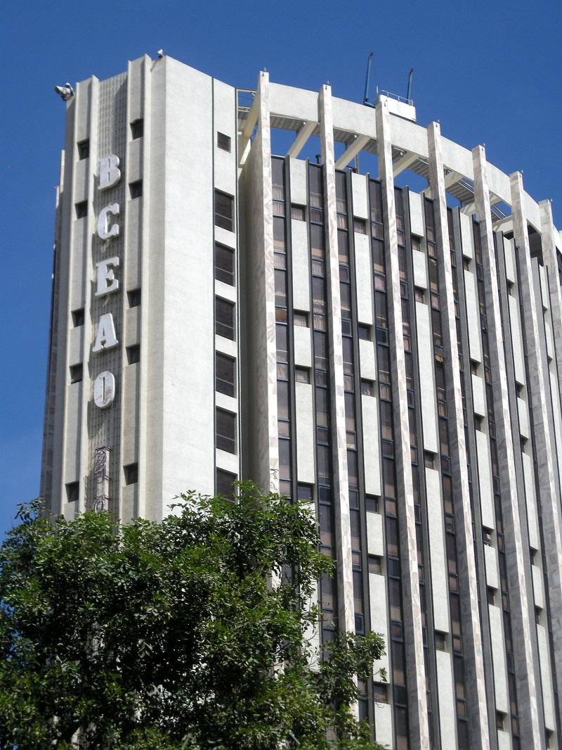 Arnaque bancaire au Sénégal : Les clients, laissés-pour-compte, entre les mains de banques usurières