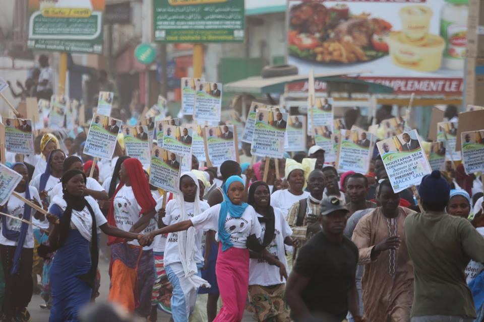 Photos : le Président Macky Sall accueilli dans la ville sainte de Touba