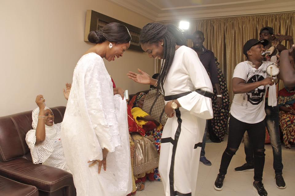 Photos : Ndèye Sokhna Ndour et sa tante Aby Ndour esquissent des pas de danse