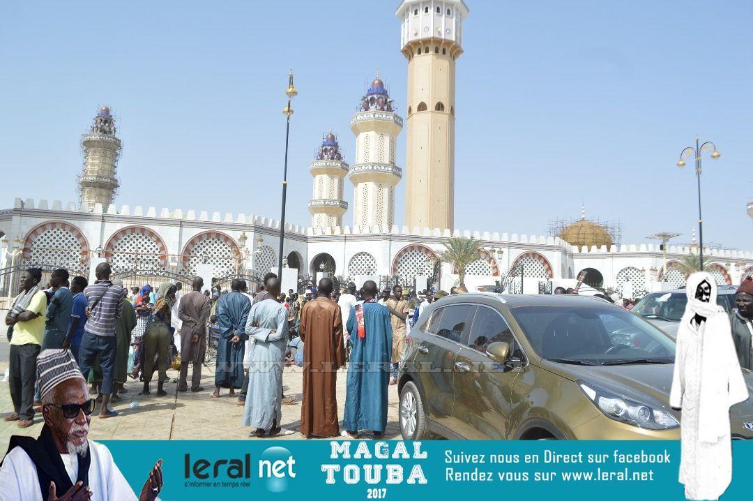 Images de la prière du Vendredi à la Grande Mosquée de Touba