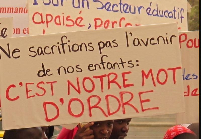 Quand l'école sénégalaise fléchit et meurt sous le coup du folklore et du charlatanisme (par Alassane K. Kitane)