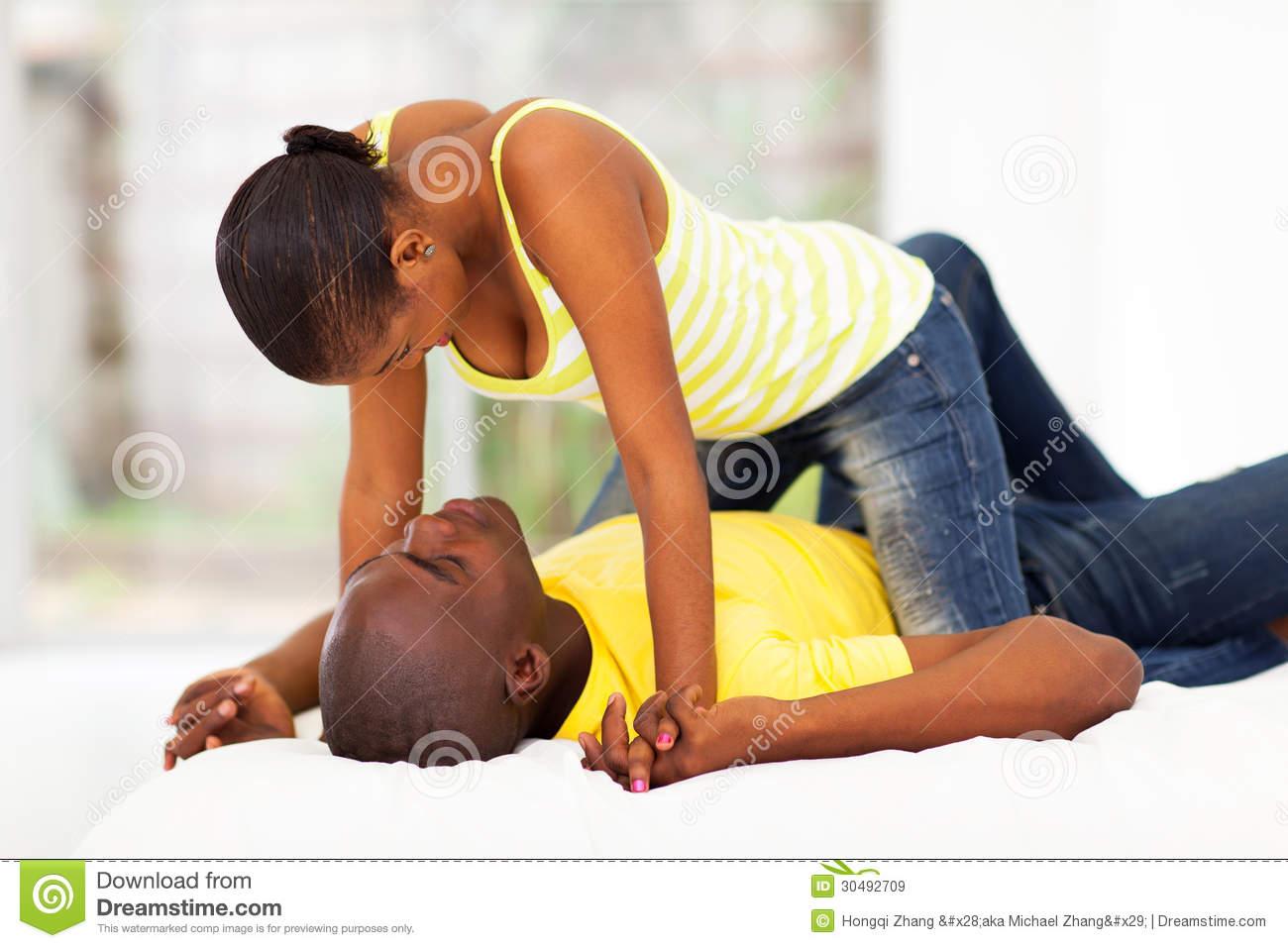 Post-coïtum, us et coutumes : Après l'amour les hommes s'endorment, les femmes se réveillent...