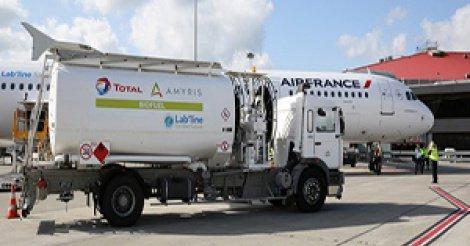 AIBD : les cuves à kérosène pas encore opérationnelles, les avions ravitaillés par des camions