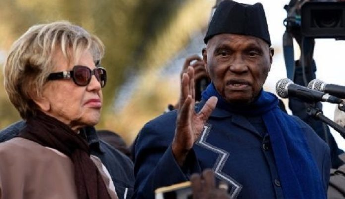 Me Abdoulaye Wade et sa femme, en deuil