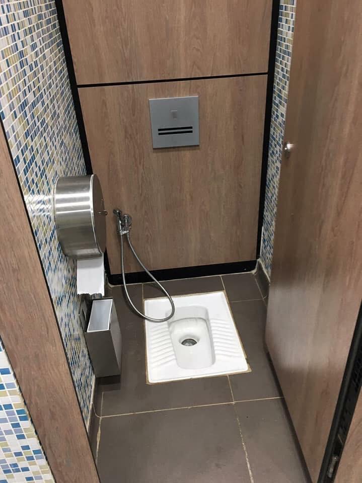 Chaises anglaises ou turques : Les toilettes de L'Aéroport International Blaise Diagne AIBD, font le buzz (photos)