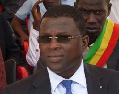 EL Hadji Alioune Diouf, ancien directeur du commerce intérieur « J'aime un peu l'homme Pelé mais j'adore le footballeur»