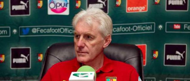 Cameroun : l'ex-sélectionneur Hugo Broos va attaquer la Fecafoot