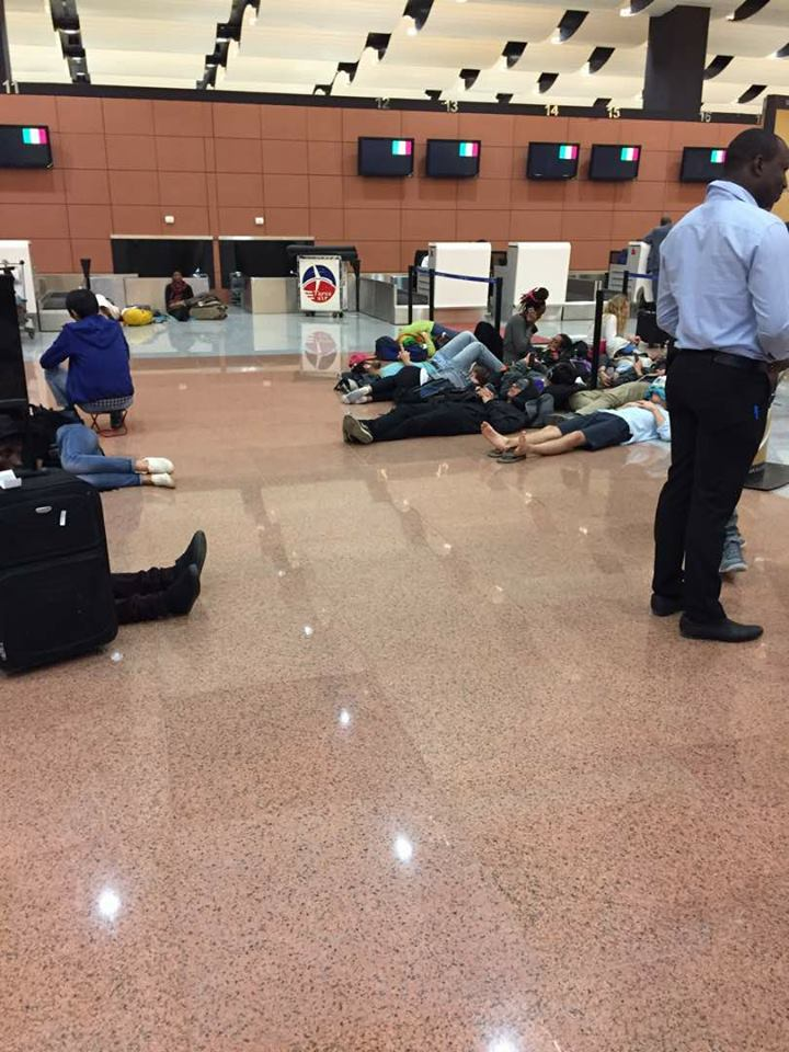 URGENT-  Les aiguilleurs de la tour de contrôle en grève, l'aéroport AIDB paralysé