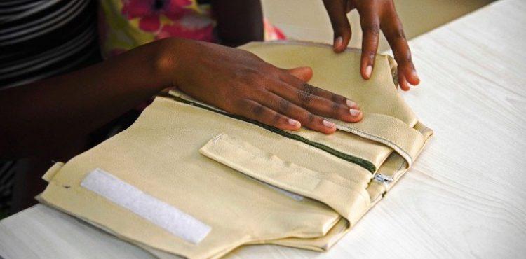 Un Ougandais invente une veste qui diagnostique efficacement la pneumonie