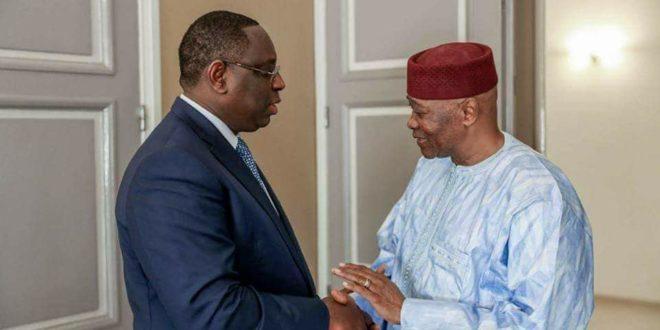 Une semaine après son retour d'exil, l'ancien président ATT revient à Dakar