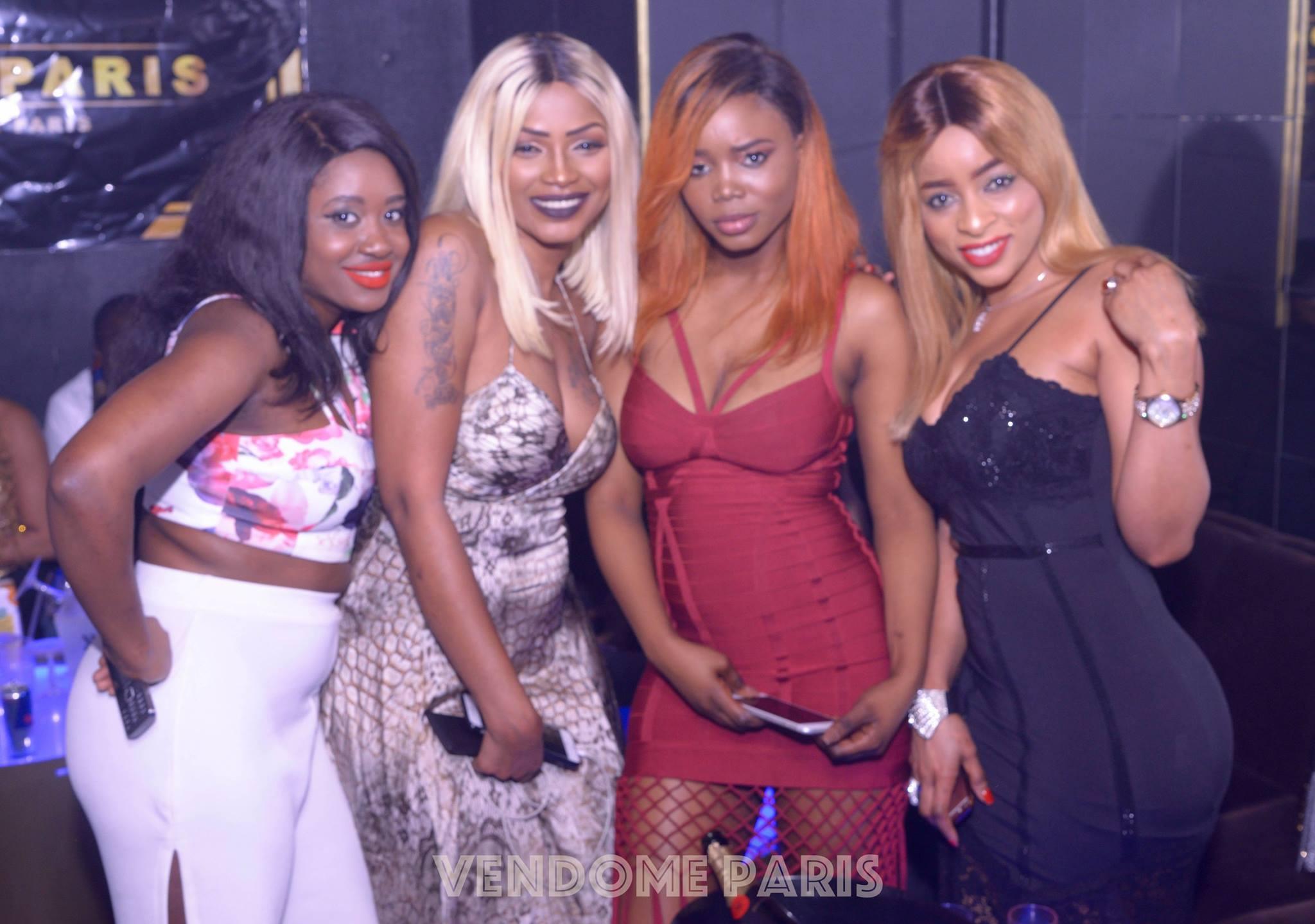 47 photos : Mbathio Ndiaye et ses copines reines de l'exhibitionnisme