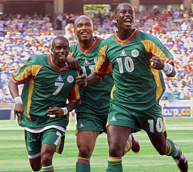 """Henri Camara : """"En 2002, il y avait un clan dans l'équipe et les plus forts n'hésitaient pas à écraser les plus faibles"""""""
