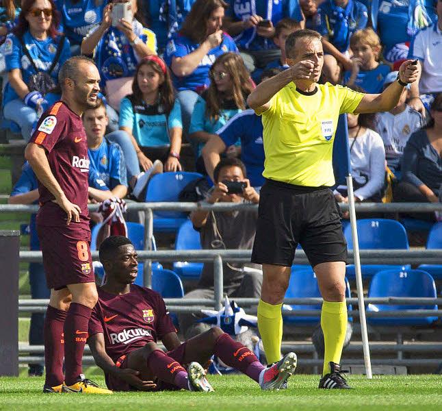 """FC Barcelone : Ousmane Dembélé absent """"trois à quatre semaines"""""""