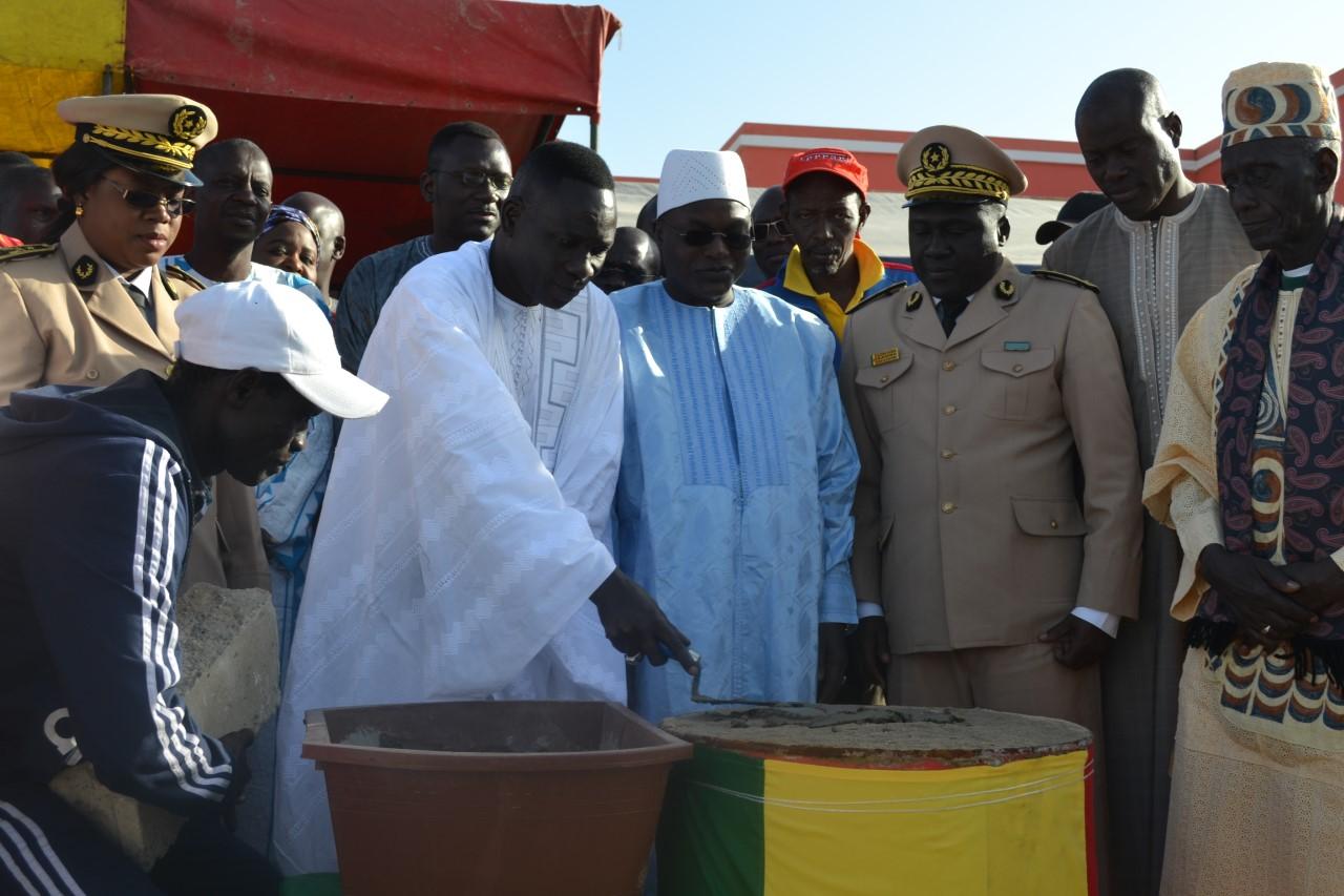 Le ministre de la pêche a procédé à la pose de la première pierre de la maison des pêcheurs de Ngor
