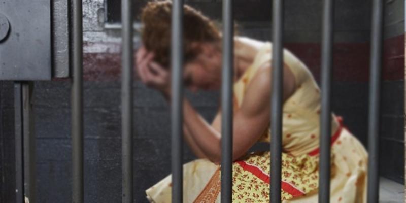 Pour avoir traité un agent de police de garce : Elle risque de terminer ses vacances en prison