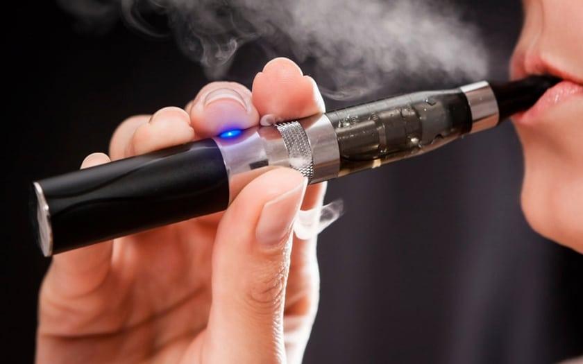 Cigarette électronique : vapoter peut être encore plus dangereux que fumer des cigarettes classiques