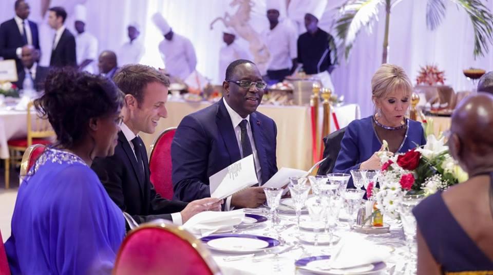 Les images du dîner au Palais de la République, en présence des couples présidentiels français et sénégalais