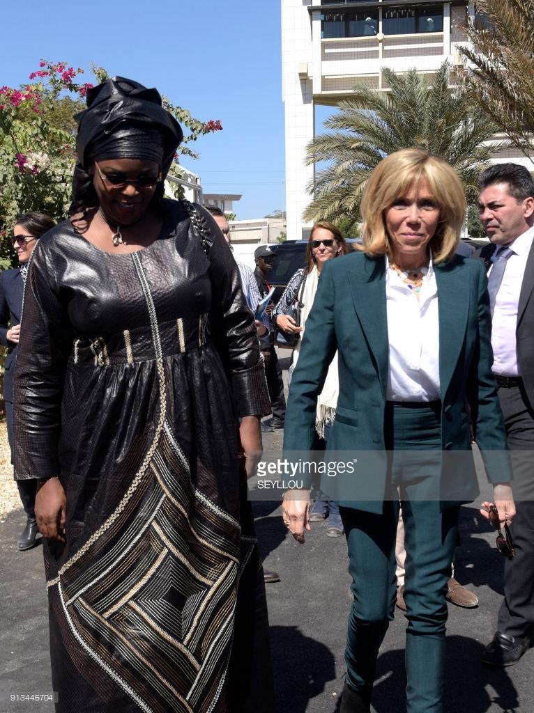 Photos : Marième Faye Sall et Brigitte Macron à l'île de Gorée