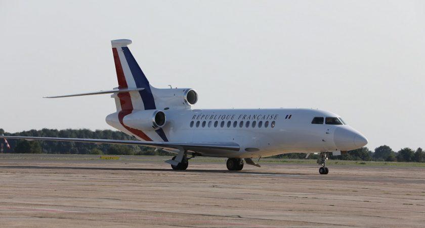 URGENT - L'avion du président Macron a heurté la Pointe de Sarène à l'aéroport de Saint-Louis