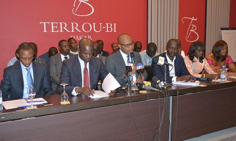 Sortie contre Macky Sall : « Initiative 2035 » tire à boulets rouges sur Idrissa Seck et l'opposition