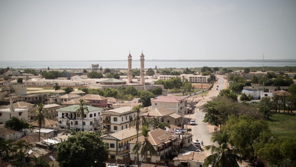 Gambie: en ce jour de l'indépendance, Barrow fixe le cap de sa présidence