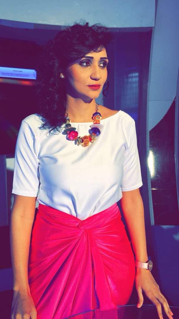 """Lina, la nouvelle présentatrice vedette de l'émission """"YESSLU""""sur la RTS1 qui crève le petit écran"""