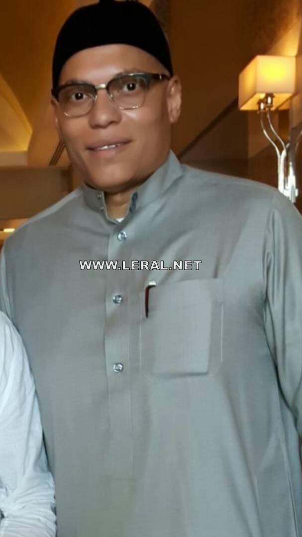 """Arrêt sur image: Karim Wade dans """"son palais"""" à Doha"""