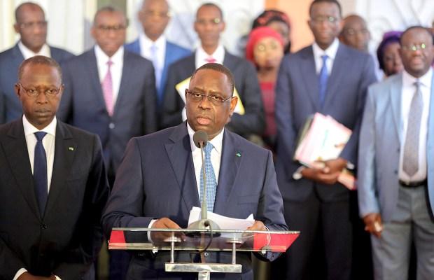 Stratégie de Com':  Macky fait comme Abdou Diouf en 2000... en se payant les services d'un fils de Bernard Kouchner