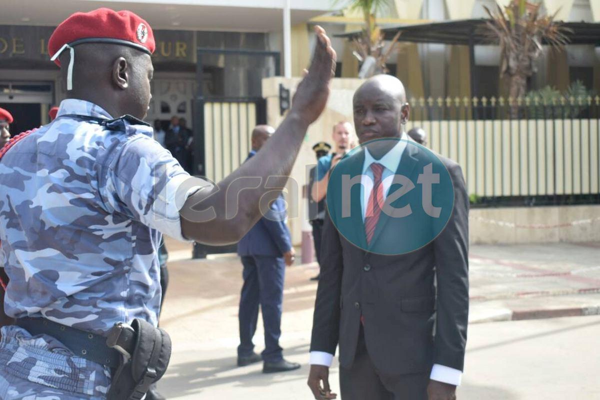 Débat : Faut-il retirer l'organisation des élections au ministre de l'Intérieur ?