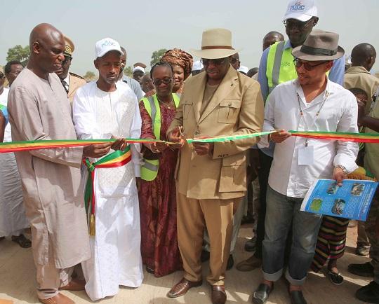 Souleymane Jules Diop annonce  la construction de 300 postes de santé sur toute l'étendue du territoire