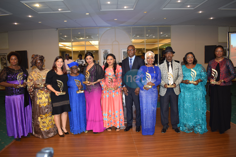 Prix du Grand Manager - Africa'S Management prime les femmes, encourage l'excellence et le leadership des braves femmes.