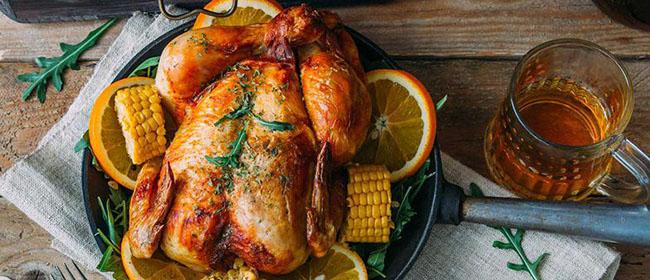 Pourquoi c'est finalement bon pour nous de manger la peau du poulet rôti