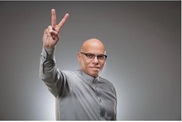 """""""Depuis 2012, Macky Sall aura dilapidé en vain des dizaines de milliards (…) Le moment est venu pour lui de m'affronter..."""" (Karim Wade)"""