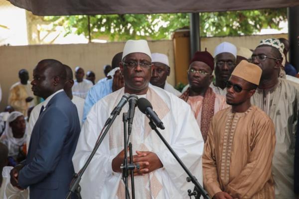 """Macky Sall: """"Mamadou Diop était un grand serviteur de l'Etat qui doit être cité en exemple pour la jeunesse"""""""