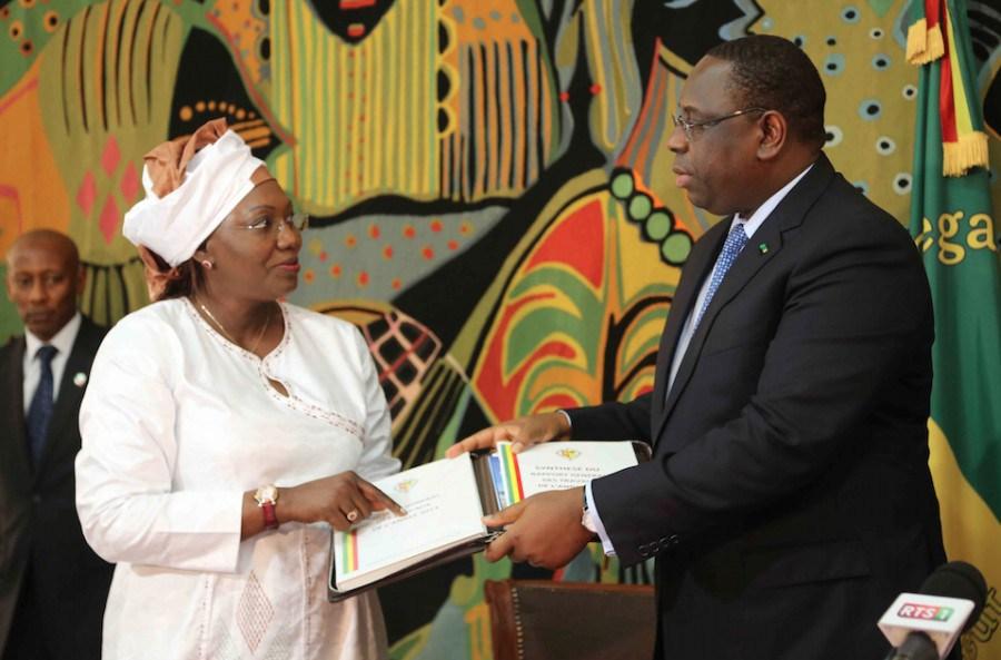 """CESE: Macky Sall  """"satisfait"""" du bilan quinquennal d'Aminata Tall"""
