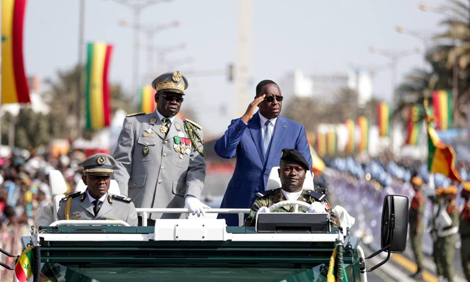 4 Avril 2018: Le Président Macky fait la revue des troupes avant le grand défilé
