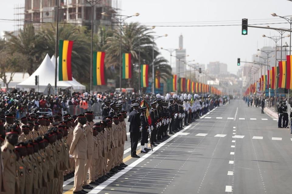 Défilé du 4 avril : des jeunes payés 5 000 F CFA pour remplir le Boulevard du Général de Gaule