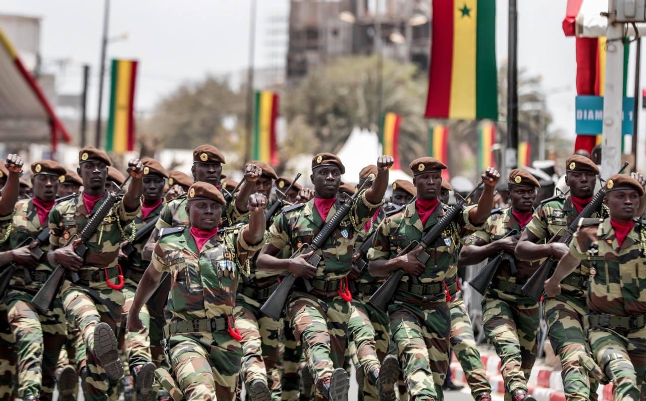 """1 852 civils, 3 949 militaires ont """"marqué le pas"""" lors du défilé de ce 4 avril"""