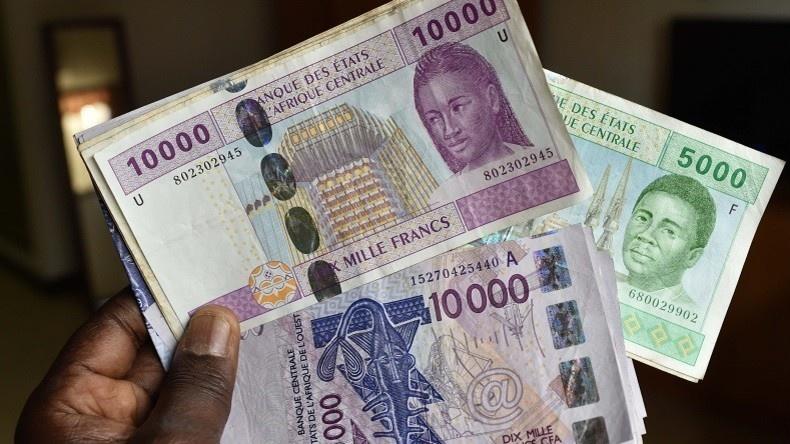 """Banques au Sénégal : ces gentlemen arnaqueurs qui """"sucent"""" les clients sans défense"""